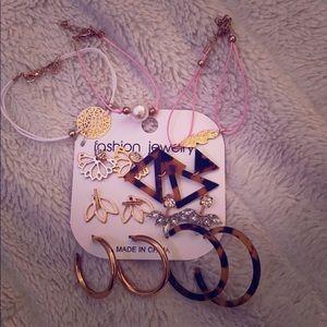 Earnings and bracelets